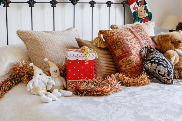 christmas-themed mattress with pillows